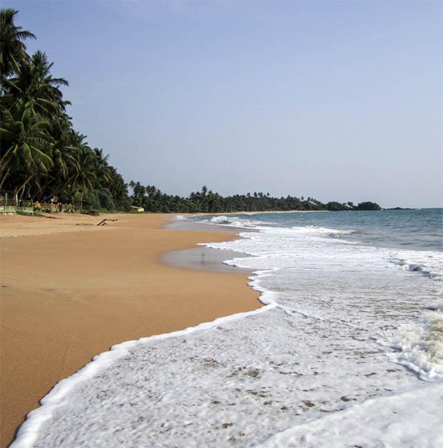 Induwura Beach