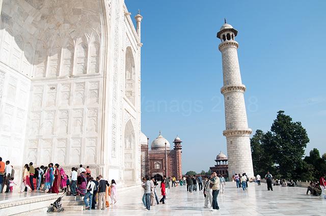Taj_Entrance
